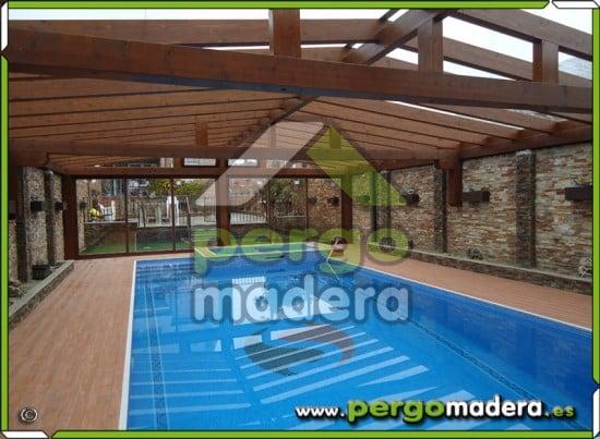 Cerramiento acristalado de piscina en madera en madrid for Piscina fuenlabrada
